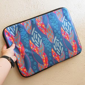 snakeskin pattern design on laptop sleeve