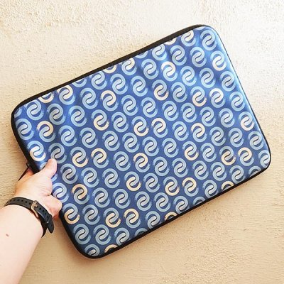 Shoreline C laptop sleeve