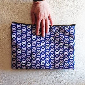 shoreline c groovy patterned pouch